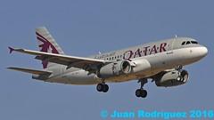 A7-HHJ - Qatar Amiri Flight - Airbus A319-133(CJ) - PMI/LEPA (Juan Rodriguez - PMI/LEPA) Tags: nikon d90 sigma 70200mm 80400mm pmilepa aeropuerto airport sonsanjuan sonsantjoan avion aeroplano aeronave plane airplane aircraft airbus a319 qatar qataramiriflight a7hhj palma mallorca
