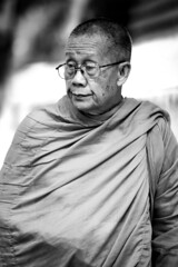 . (GiuGiu_) Tags: nikkor 80400mm bangkok travel thailand monk religion buddhism old nikon d800 street city ngc