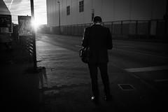 untitled (Zimthiger) Tags: hamburg zimthiger stpauli menschen people bw sw street streetphotography canon 35mm geschftsmann businessman messe fair gegenlicht