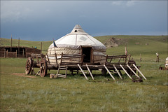 Yourte (lhirlimann) Tags: chariot mongolia mongolie youtre mn ger yourte white tente
