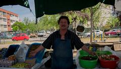 lleve de lo weno (barbaraparedesv) Tags: feria santiago uoa chile aceitunas seor wena