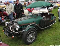 Dieselpunk Lomax (Schwanzus_Longus) Tags: old france green classic car vintage germany french duck citroen german 2cv vehicle kit custom ente lomax speedster hildesheim roadster technorama dieselpunk