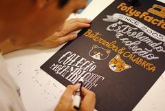 Terminando (Ivan Jernimo) Tags: chalk florianpolis uni lettering visual blackboard ilustrao giz painel letras comunicao caneta  posca quadronegro letreiro  hidrocor   letreiramento