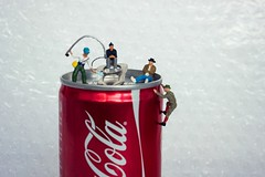 Fishing Trip (ingehoogendoorn) Tags: friends red miniatures fishing cola pals cocacola littlepeople vrienden rood vissen smallworld tinypeople noch miniatureworld fishingtrips preiser minipeople miniaturepeople colablikje tinypeoplebigworld tinypeopleinbigworld