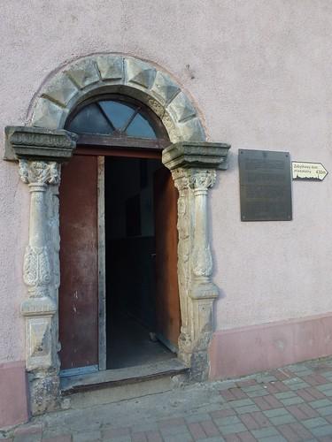 Portal renesansowy (1630) w dawnej zagrodzie rolnicznej (Sudecka 20) w Złotym Stoku