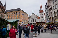 Christmas market on the Marienplatz in Munich, Bavaria, Germany (UweBKK ( 77 on )) Tags: christmas city urban food shopping germany munich mnchen bayern deutschland bavaria market drink platz sony weihnachtsmarkt glhwein stadt townhall alpha dslr markt rathaus 77 marienplatz punsch