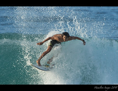 Surfer Having Fun (Hamilton Images) Tags: beach canon hawaii surf waves oahu famous january surfing northshore surfers 500mm banzaipipeline ehukaibeachpark 2015 14xteleconverter img1323 7dmarkii