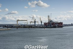 HOME OF THE TITANIC (Gaz West) Tags: red home museum one was bucket thing picture belfast right can spot off next more where list experience rig be oil shipyard titanic seen item built exact wolff the checked harland a of