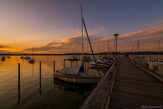 Sunset Pier Iznang