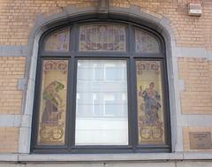 Secesyjny witra (magro_kr) Tags: charleroi belgia belgium belgique belgi belgie walonia wallonia wallonie okno witra witraz architektura window stainedglass architecture