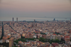Barcelona (CROMEO) Tags: barcelona city parque sunset espaa familia atardecer photography hotel photo amazing spain w ciudad el panoramic views carmel vistas viewpoint sagrada mirador catalua torres elcarmel bunkers mapfre condal cromeo