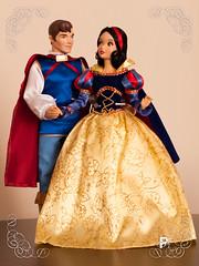 Love is in the air (PhillipDisney) Tags: love couple doll princess prince disney boneca princesa snowwhite disneystore principe brancadeneve