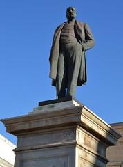 Favignana (Isole Egadi) - piazza Europa (ikimuled) Tags: statue monumenti favignana egadi