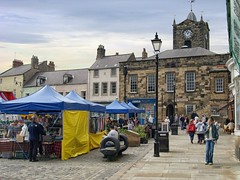 Market Day at Alnwick (foggyray90) Tags: market clocktower alnwick northumberland pedestrians townhall stalls marketsquare