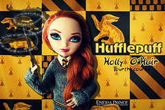 Hufflepuff (eneida_prince) Tags: hufflepuff everafterhigh eah doll dolls osalina mattel photo photos 2016 everafterhigh2016 photoshoot hollyohair rapunzel daughterofrapunzel basic twins