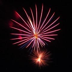 IMG_1522 FW (jgagnon63@yahoo.com) Tags: square fireworks powershot 4thofjuly independenceday escanaba ludingtonpark deltacountymi canona1200