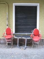 Berlin 2012 - Friedrichshain (fabonthemoon) Tags: berlin berlijn allemagne germany deutschland chair chaise stoel friedrichshain