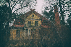Lost House [Explore] (Martyn.Smith.) Tags: urbex decay abandoned house derelict abandonment decaying eerie creepy soviet ussr vignette abandonedhouse germany wunsdorf flickr image photo canon eos 700d sigmalens