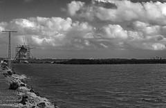 Molino Calcetera (Fotgrafo-robby25) Tags: byn espumasdesal fujifilmxt1 marmenor molinosdeviento nubes salinasyarenalesdesanpedrodelpinatar