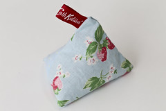 Cath Kidston Style material Pyramid Lavender Bag (Maflingo) Tags: handmade sewing craft handicraft lavender lavenderbag pyramid sack tag hanging drawers potpourri triangle floral cathkidston