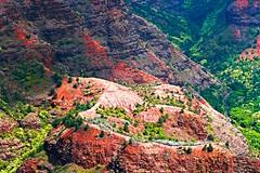 More Waimea Canyon (theeqwlzr) Tags: hawaii huge waimea waimeacanyon wildcolors