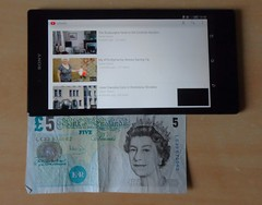 Size of Sony Xperia Z Ultra compared to £5 note