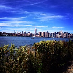 Brooklyn Park (alice.vphoto) Tags: new york family friends newyork building love apple skyline brooklyn america us big state sunday september empire brooklynbridge empirestatebuilding meet find discover ncy brooklynpark unionstate