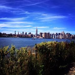 Brooklyn Park (alice.vphoto) Tags: new york family friends newyork building love apple skyline brooklyn america us big state sunday september empire brooklynbridge empirestatebuilding meet find discover ncy brooklynpark unionstate