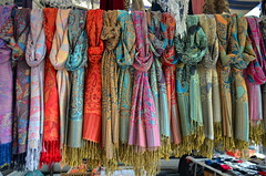 A Difficult Choice [Udine - 22 November 2014] (Doc. Ing.) Tags: italy scarf market fair bazaar fvg ud friuli udine 2014 friuliveneziagiulia townfair nordest fieradisantacaterina