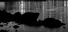 water under the bridge / agua bajo el puente (Rafael Edwards) Tags: street blackandwhite usa newyork blancoynegro calle unitedstates rua rue bigapple biancoenero nuevayork eeuu blancetnoir