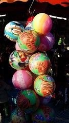 Blowing ballooooons (pineider) Tags: florence colours colore samsung colores tango topless firenze palle palloncini palloni