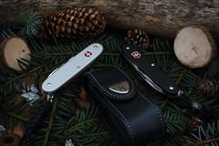 Victorinox Pioneer Alox 2 x (micrueh) Tags: knife kai knives buck vantage benchmade crkt kershaw victorinox alox pohlforce kershawcryo