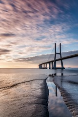 Portugal / Lissabon / Ponte Vasco da Gama (Silly Photography) Tags: landscape seascape nd longexposure langzeitbelichtung ponte brigde brcke brckevascodagama pontevascodagama vascodagama tejo flus spiegelung sonnenaufgang europa europe portugal sunrise sillyphotography