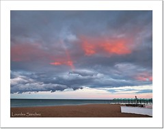 Nubes y Arco Iris (Lourdes S.C.) Tags: costa arcoiris mar andaluca playa cielo nubes nwn costamediterrnea costademlaga
