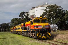 """2016-04-25 SSR BRM002-44206-BRM001-G513 Walsh Point (Dean """"O305"""" Jones) Tags: railroad au australia southern nsw newsouthwales ssr shorthaul kooragang 44206 g513 brm001 brm002"""