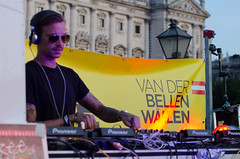 Dj Fr van der Bellen (vienadirecto) Tags: vienna wien dancer link techno rave campaign vienne elecciones heldenplatz izquierdas diegrnen losverdes linke vanderbellen campaaelectoral progresistas progresist