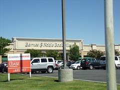 Barnes & Noble Bakersfield, CA (COOLCAT433) Tags: california ca ave barnes bakersfield noble 4001