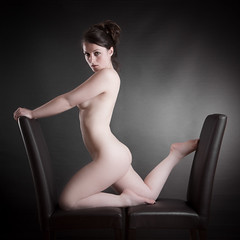 chairs_9551 (Camera Obscura Photoblog) Tags: girl studio nude chairs body corps nue bestportraitsaoi