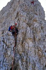 19830900 Sdtirol Dolomiten Langkofel Daumenkante Klettern Dieter (j.ardin) Tags: italien italy italia climbing mountaineering alpinismo dolomites dolomiti sdtirol altoadige klettern dolomiten bergsteigen langkofel sassolungo fnffingerspitze daumenkante scalareunamantagna