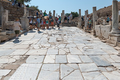 Ephesos - Kuretenstrae (CocoChantre) Tags: ruine trkei bauwerk tr izmir ephesos sule schutt kuretenstrase acarlarky