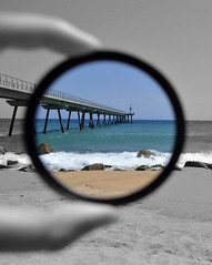 Optimism (__MaRiNa__) Tags: mer beach strand circle puente mar meer mare playa ponte pont brcke optimism plage spiaggia crculo optimismo platja cerchio cercle kreis ottimismo selectivecoloring optimisme optimismus pontdelpetroli