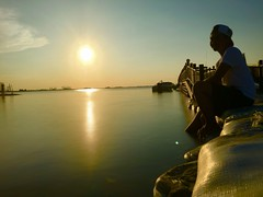 Tried slow shutter by iphone + tripod...#iphone #slowshutter #beach #jakarta #ancol #sunset (Tan Jul Darmawan) Tags: sunset beach jakarta slowshutter ancol
