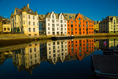 lesund (jforberg) Tags: jonforberg 2016 lesund water sun mirror color city house wonderful norwegen sea turist