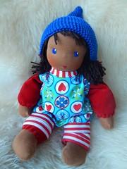 Fr Mara_30042016_koml bekl (Puppenhandwerk Prsch) Tags: clothdoll waldorfdoll steinerdoll cuddledoll ecologicaldoll organicdoll handcrafted dollmaker dollmaking doll companiondoll darkskinneddoll africandoll