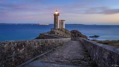 Phare du petit Minou (f.ray35) Tags: phare bretagne brittany france sea sky sunlight sunset long exposure light architecture exterieur mer ocan atlantique boat