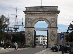 L'ARSENAL (marsupilami92) Tags: frankreich france sudouest poitoucharentes 17 charentemaritime tourisme rochefortsurmer arsenal arcdetriomphe porte bateau