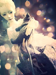 Escape from Empire of Dreams - octarine (tarengil) Tags: abjd bjd doll dollmore zaoll luv white sweet dreamy fashion clothing bokeh tulle sd silver xmas rat