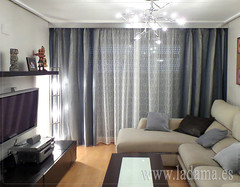 "Cortinas para salón moderno • <a style=""font-size:0.8em;"" href=""http://www.flickr.com/photos/67662386@N08/15466869168/"" target=""_blank"">View on Flickr</a>"