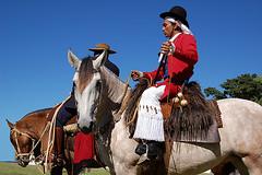 O gaúcho antigo (shumpei_sano_exp4) Tags: brazil horses horse southamerica brasil criollo caballo cheval caballos cavalos pelotas pferde cavalli cavallo cavalo gauchos pferd riograndedosul brésil chevaux gaucho américadosul boleadoras gaúcho campero amériquedusud gaúchos sudamérica suramérica calzoncillo américadelsur südamerika crioulo caballoscriollos criollos pilchas pilchasgauchas costadoce camperos americadelsud crioulos cavalocrioulo americameridionale boleadeiras caballocriollo pilchasgaúchas chiripá campeiros campeiro cavaloscrioulos ceroulasdecrivo