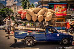 Overloaded (Traveling together) Tags: life travel people money streets car asia myanmar trade sven bussy mandalay overloaded reizen azië 2014 fida svenfidanl svenfotografienl